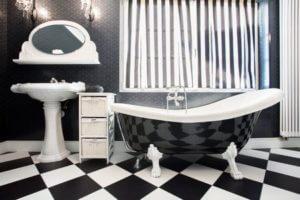 Bagno moderno bianco e nero