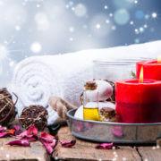 Asciugamano natalizio con candele rosse